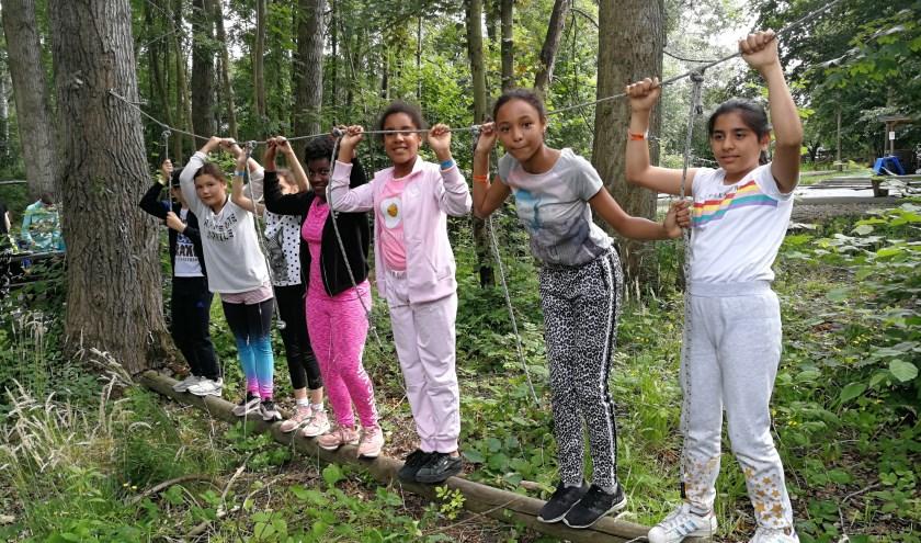 Volop plezier bij de kinderen, die meededen aan de sportdag op de Buitenplaats in de Zuidbuurt (Foto Peter Spek).