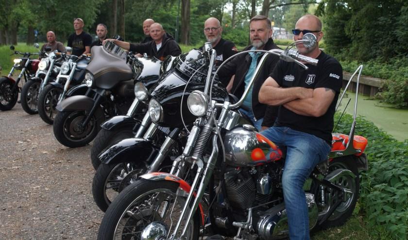 Organisatoren van de Harleydag Woerden zijn er klaar voor, tweede van rechts is voorzitter Hennie Achterberg. Tekst en foto: Winny van Rij