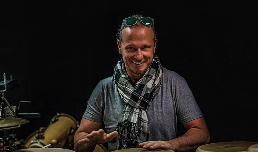 Nils Fischer verzamelt speciaal voor deze avond de kern van zijn wervelende latinband Timbazo.