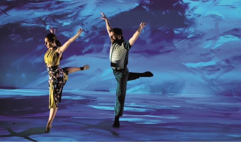 Choreograaf David Middendorp verbluft met dans en technologie die samensmelten in een betoverende wereld.