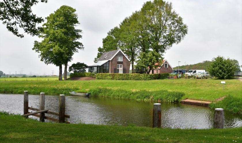 De sluiswachterswoning bij de stuw Vechterweerd is helemaal gerenoveerd. Het stuwcomplex Vechterweerd is een druk bezochte locatie, zeker in de zomer.