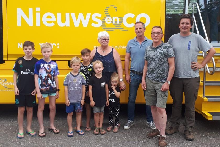 Sprekers voor de bus van 'Nieuws en Co'.