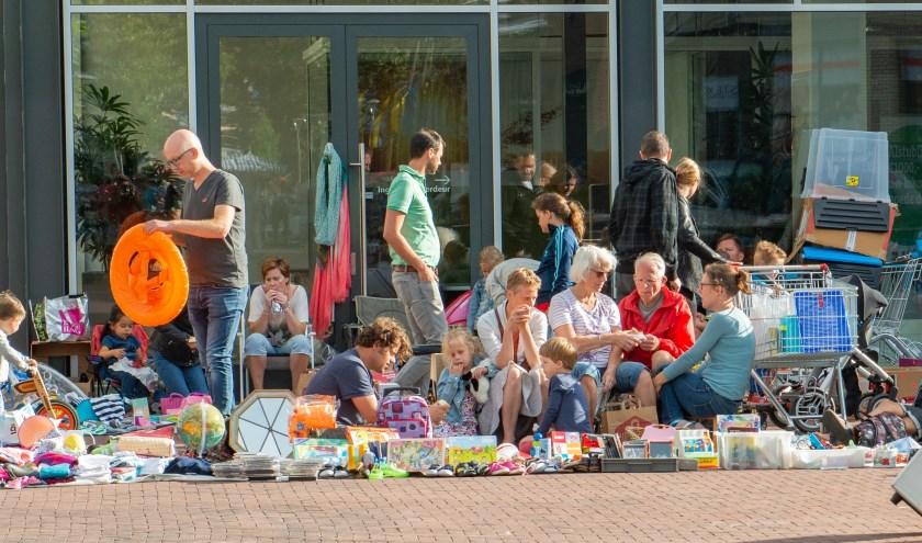 Op zaterdag is er weer een kinderkleedjesmarkt op het Emsterfeest.