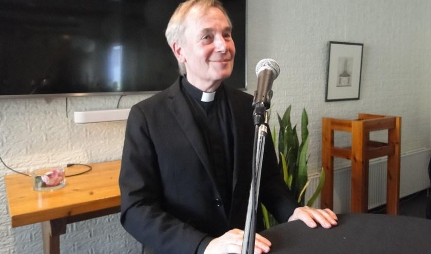 De bekende priester Antoine Bodar sprak zondag in Barneveld over de toekomst van de kerk.