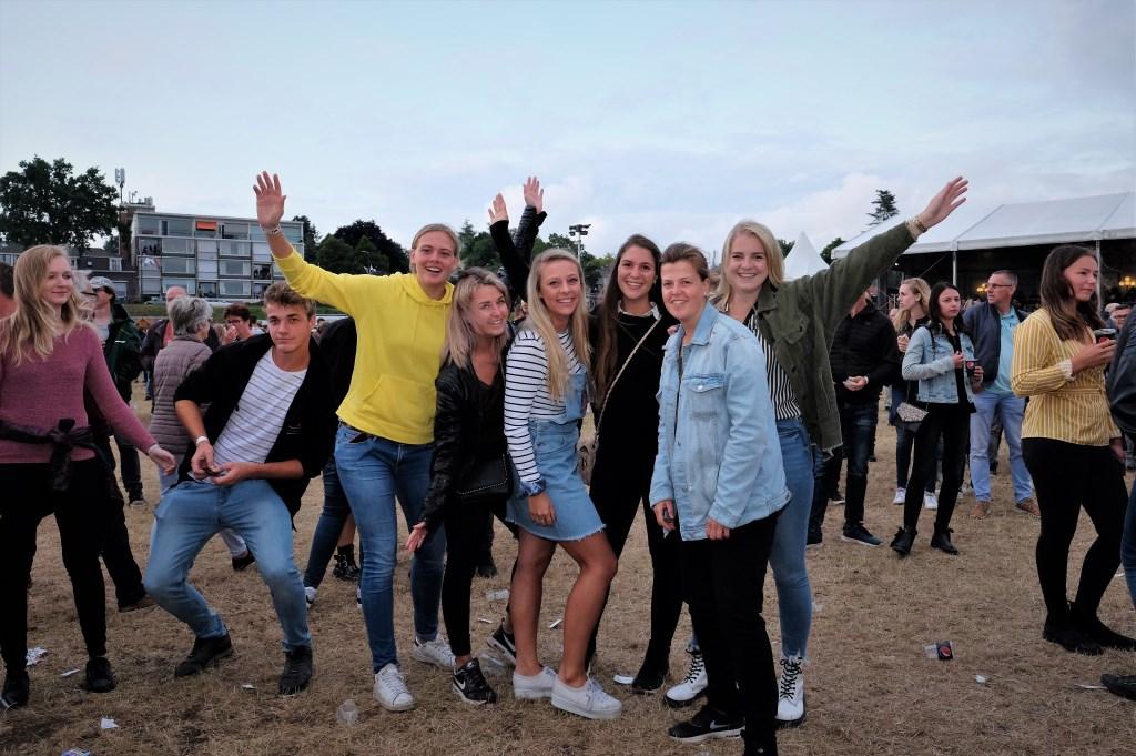 Vriendinnen uit Veenendaal hadden het fijn op de Veerwei.  © Persgroep