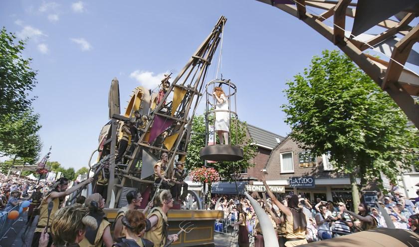 Alle groepen werken hard om een mooie creatie te tonen tijdens de Brabantsedag. Foto: Archief Jurgen van Hoof