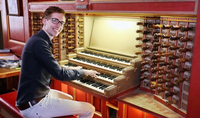 Gert van Hoef is helemaal klaar voor zijn zomer orgelconcert in de Regenboogkerk.