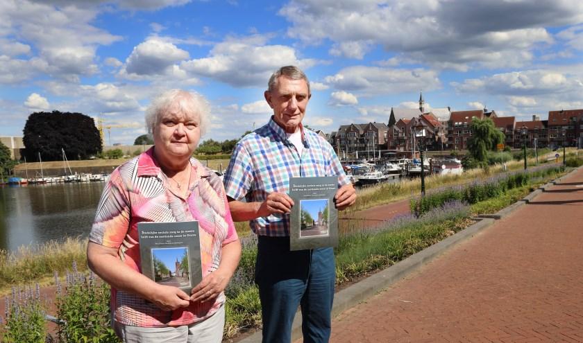 Ron Fierst kreeg hulp van Leny van Lieshout van Graeft Voort. (foto Marco van den Broek)