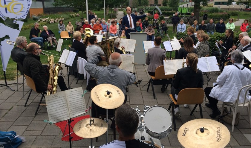 Maandag 2 september belooft een bijzondere verenigingsavond te worden, want komend jaar bestaat de muziekvereniging 111 jaar en dat is een mooie gelegenheid om een feestje te vieren met elkaar!