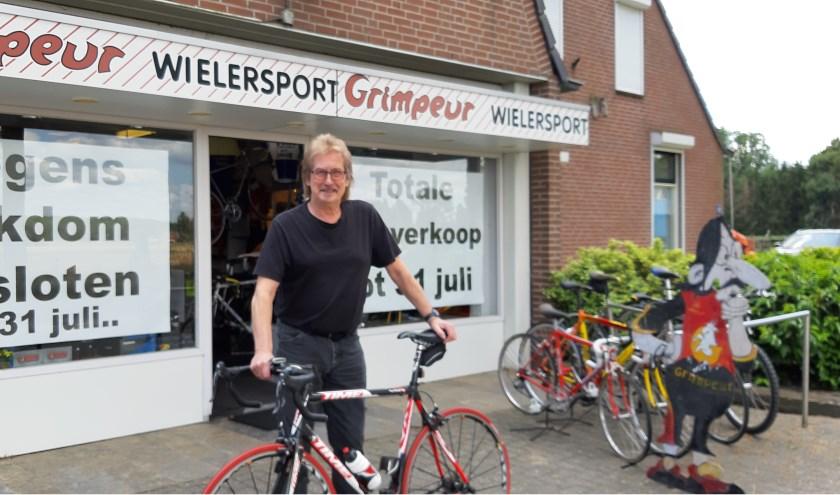 Grimpeur Wielersport sluit eind deze maand de deuren. Eigenaar Joop Boxstart gaat zich vooral met muziek bezighouden. (foto: Niek Brugman)