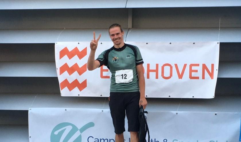 Chris op het podium in Eindhoven na het behalen van het kampioenschap sprint voor fietskoeriers.