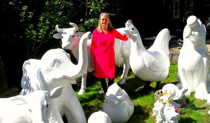 De Beestenbende van Elise Huijberts kan niet wachten om naar Bennekom Centrum te gaan om door creatieve kinderen gekleurd te worden.