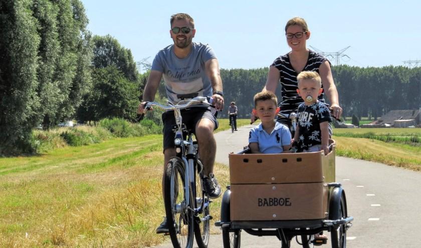 Fietsplezier voor het hele gezin (foto: Henk van der Leest)