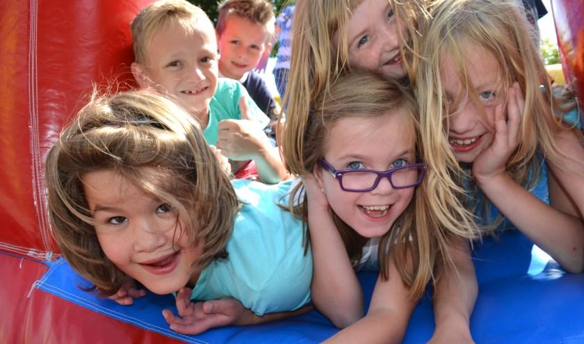 Spelen is voor alle kinderen zowel geestelijk als lichamelijk heel leuk maar ook heel belangrijk