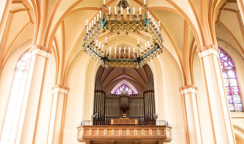 Het orgel in de Basiliek van Raalte, waarop een prachtige serie concerten gespeeld wordt.