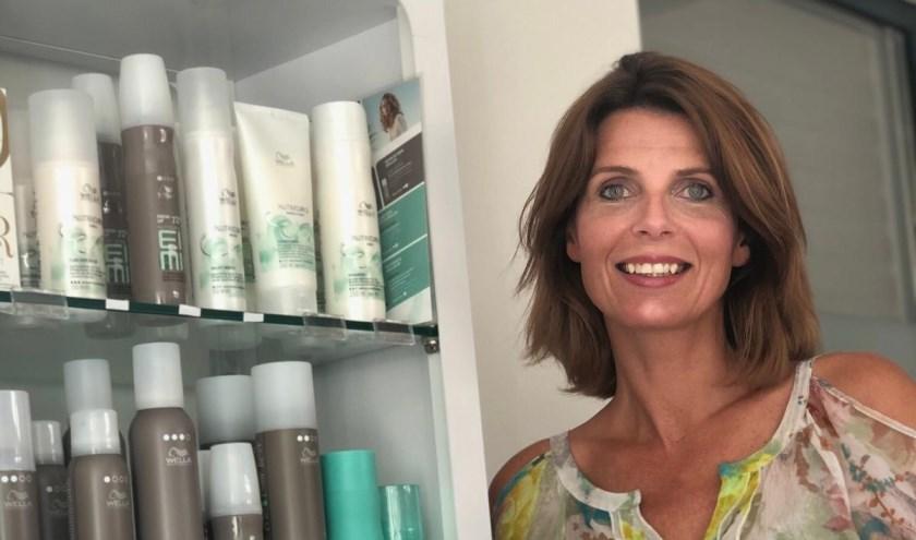 Sinds 1 juli heeft Jenneke van Opijnen-Otte (47) haar eigen kapsalon.