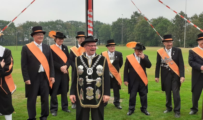 Een trotse koning Jan van Heeswijk omringd door duizelse gildebroeders