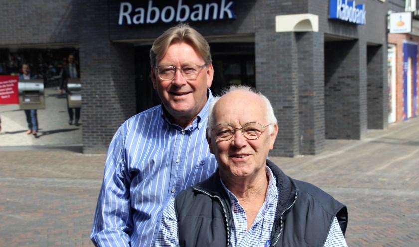Jan Kamp blijft in, Pieter Bootsma vertrekt uit de Adviesraad Sociaal Domein. (Foto: Dick Baas)