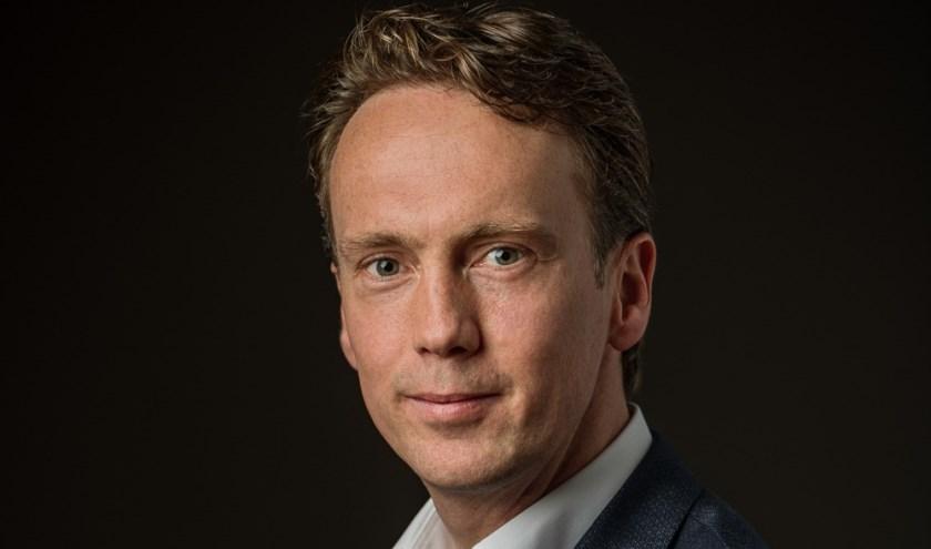 Niels Kuiper, de nieuwe gemeentesecretaris van Sliedrecht. (Foto: Rogier Bos)