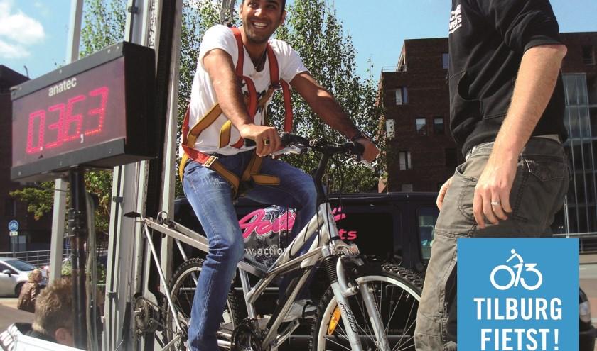 Met de ludiekeactie 'Tilburg Fietst naar de Kermis' roept de gemeente iedereenop om vooral op de fiets naar de aankomende kermis te komen.