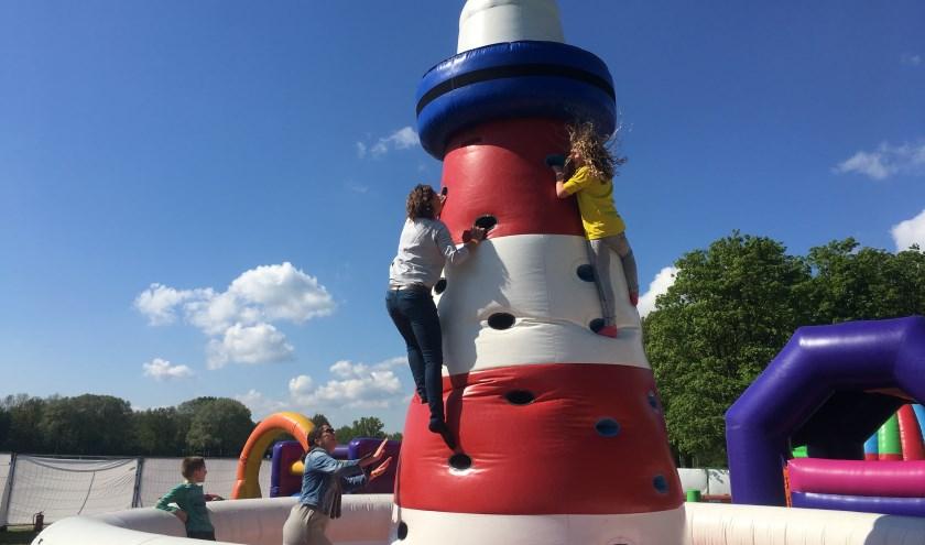Vanaf maandag 15 juli staat het Kidspret Springkussen Festival een week lang op het terrein van De Veerstal in Lathum. (PR)