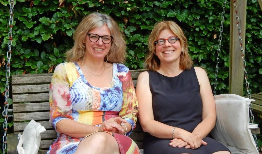 """Carin Schröder (links) en Mia Willems ontwikkelen online-steun voor mensen met een lichamelijke handicap. Foto"""": Asta Diepen Stöpler"""