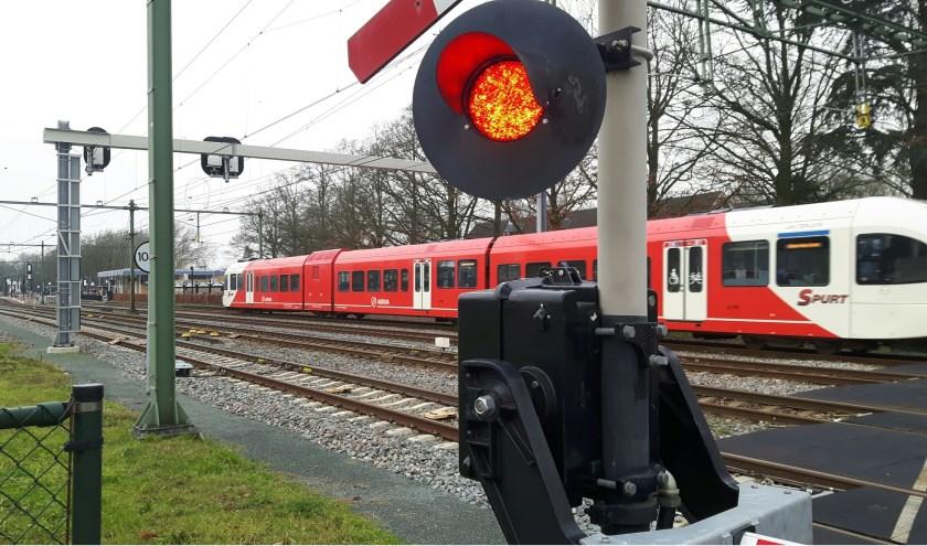 Een trein die van Zevenaar naar Didam rijdt zul je in de periode van 25 juli tot en met 11 augustus niet gaan zien. Er is dan alleen busverkeer mogelijk in verband met werkzaamheden. (foto: Danny van der Kracht)