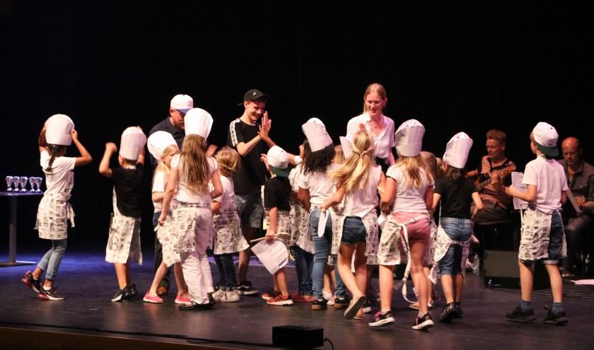 Feest in het Muziekcentrum. In elk geval voor deze kinderen uit groep 4a van Schateiland!