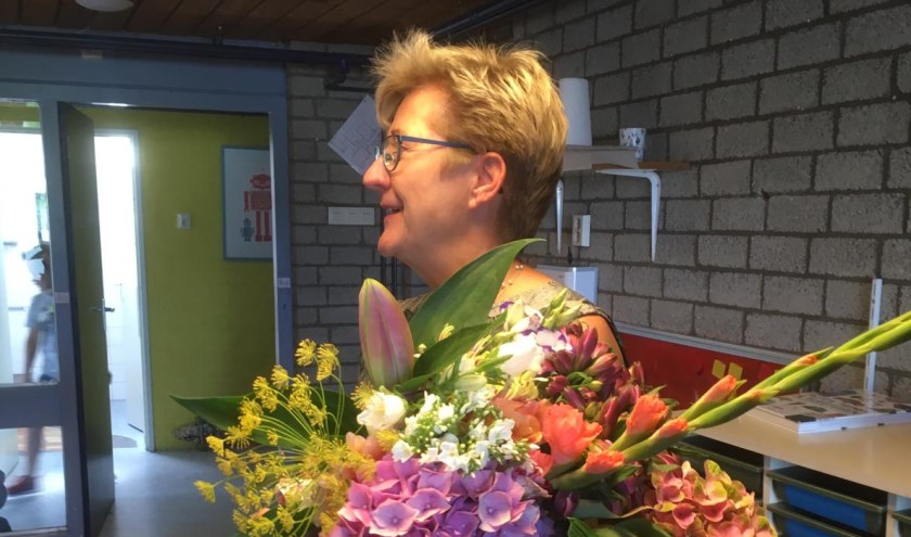 Anne heeft 43 jaar gewerkt op De Kleine Wereld, waarvan de laatste 12 jaar als directeur. Met Anne gaat een deskundige, betrokken en bevlogen persoon verloren voor het onderwijs.