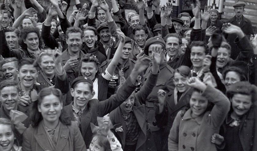 Bevolking van Boxtel op de markt na de bevrijding in oktober 1944. Foto: Beeldbank Heemkunde Boxtel.