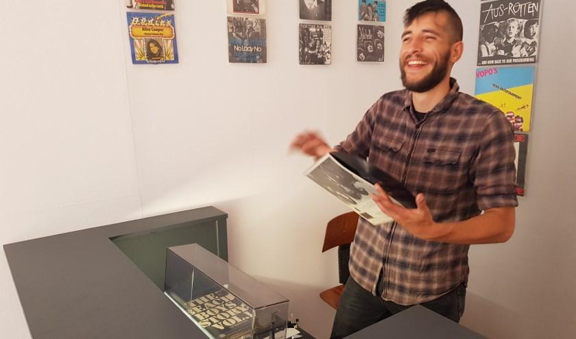 Muziekliefhebber Wesley van Laar heeft met de opening van Re-Turn Records zijn jarenlange droom waargemaakt. (foto: Kees Stap)