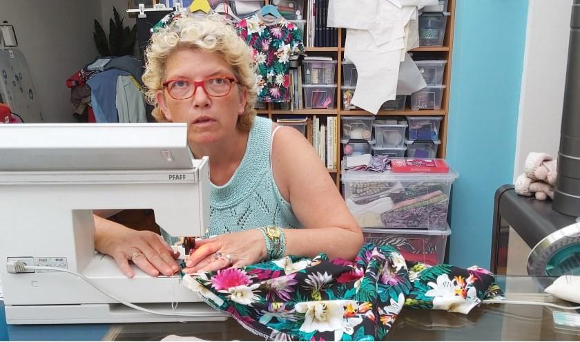 In haar huis in Brouwershaven heeft Janine een eigen atelierkamer waar ze heerlijk tot rust komt.