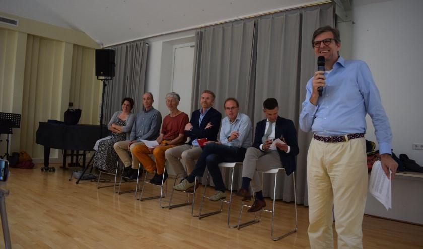 Vertegenwoordigers uit de politiek, landbouw en natuurbescherming gingen met elkaar in debat over de PAS. (Foto: Rick Praamstra)