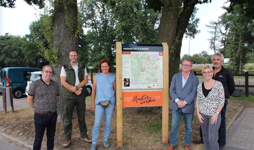 Van links naar rechts: Johan Castelijns, Erik Schram, Maria Meulendijks, Jan de Bruijn, Ester van Sambeek en Toon Liebregts.