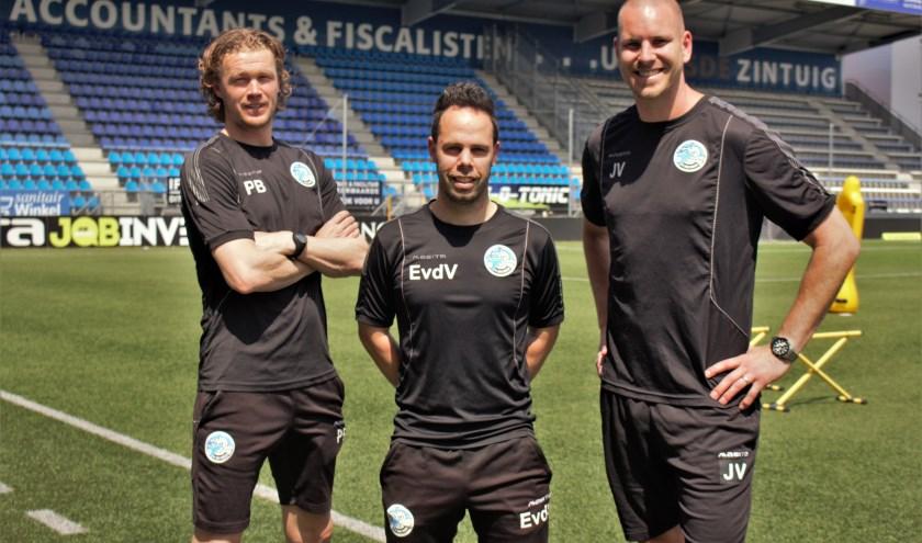 Paul Beekmans, Erik van der Ven en John Vos blijven als trainerstrio leiding geven aan de hoofdmacht van FC Den Bosch. Foto: Lisette Broess-Croonen