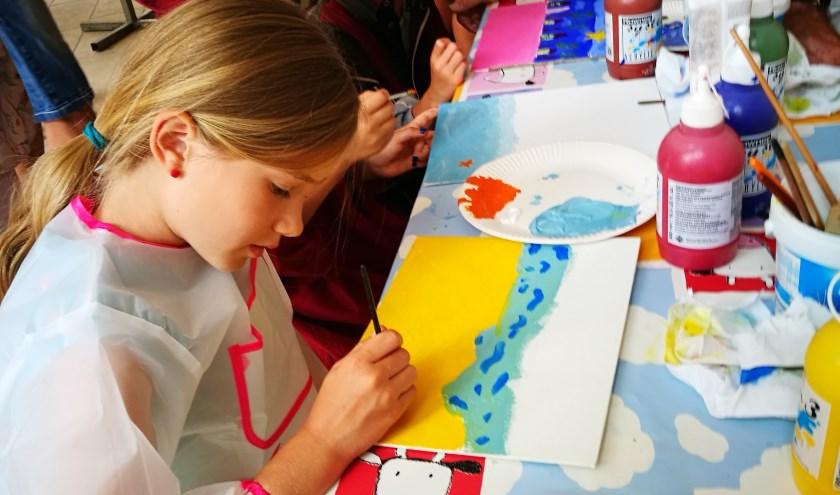 Jonge kunstenaars aan het werk bij DoMoS in Valkenswaard.