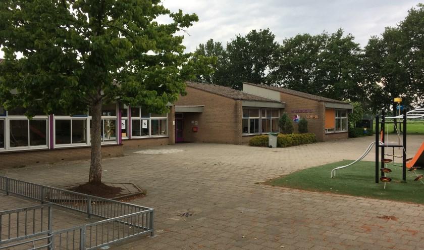 De Willibrordusschool in Esch uit 1980 voldoet niet meer aan de eisen. Het schoolbestuur heeft een voorkeur voor renovatie boven nieuwbouw.
