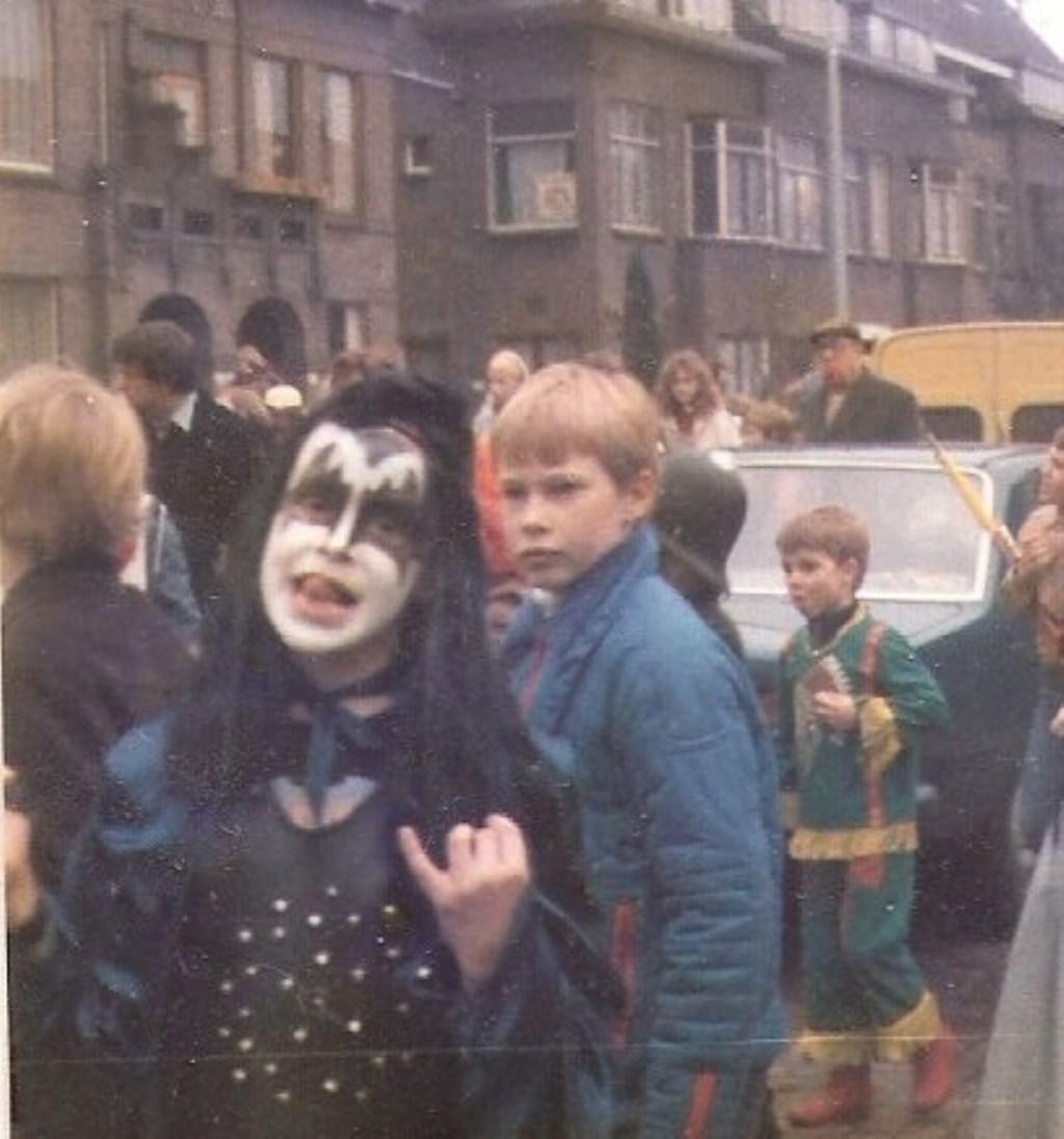 """De liefde voor (rock) muziek en Kiss zat er bij Dimitri in ieder geval al vroeg in. """"Op de dag van Rammstein in de Kuip was ik bij Kiss in de Ziggo Dome. Dat was misschien ook wel de laatste keer!""""  © Persgroep"""