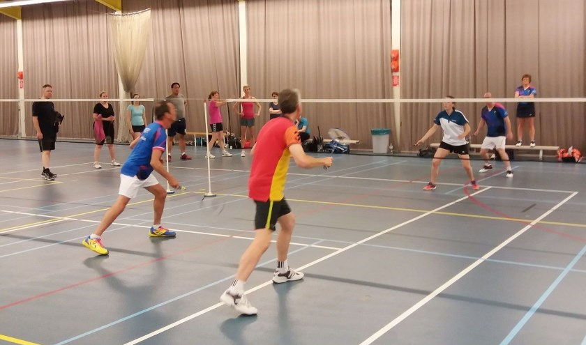 Voor zowel beginnende als gevorderde badmintonners start de RBB op zaterdagochtend 14 september weer met de 12-delige START-training in het Leisure Center Breda aan de Terheijdenseweg. FOTO: HANS EMMERIK
