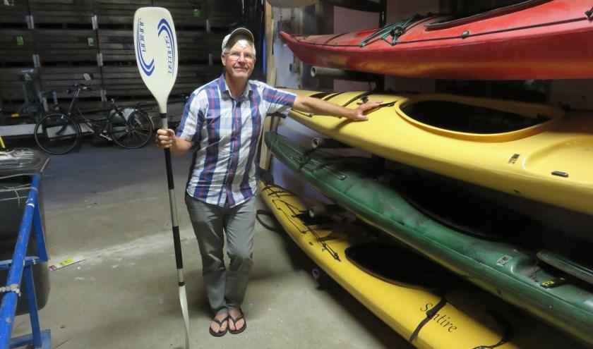 """Gerard Strien, penningmeester: """"kanovaren is beslist niet moeilijk"""". FOTO en tekst: John Beringen"""