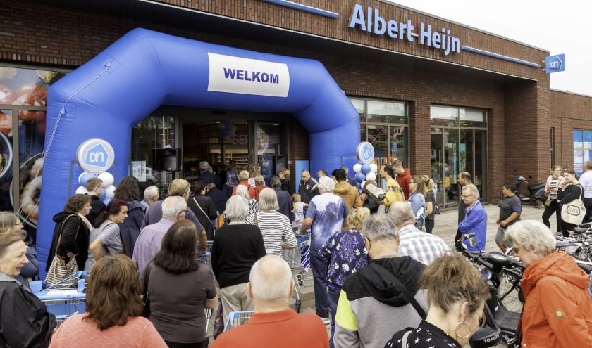 Veel belangstelling voor opening nieuwe Albert Heijn Groenestraat.