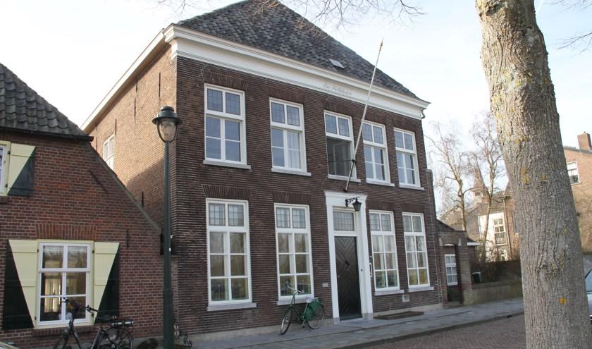 Het woonhuis aan de Graaf van Solmsweg 79a uit 1859 is een statig pand met vier bouwniveaus. Foto: Josephine Peren