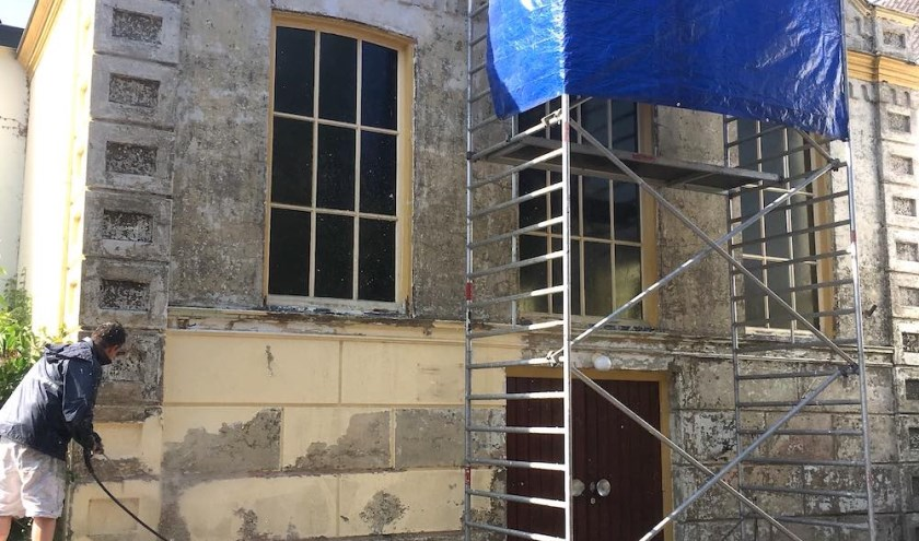 O-68: werkzaamheden aan de nieuwe locatie, Oranjestraat 74 te Velp, gebouwd als gymzaal in 1883 en sinds 1952 in gebruik geweest als kerk