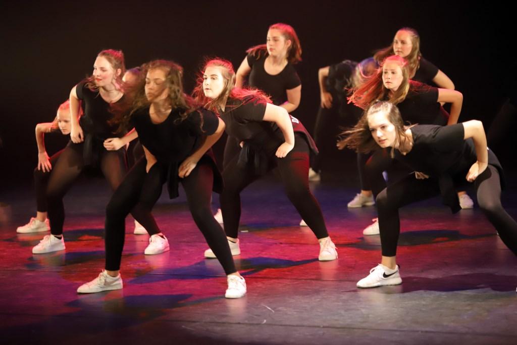 de dansers van DOK Foto: Alex Beukhof © Persgroep