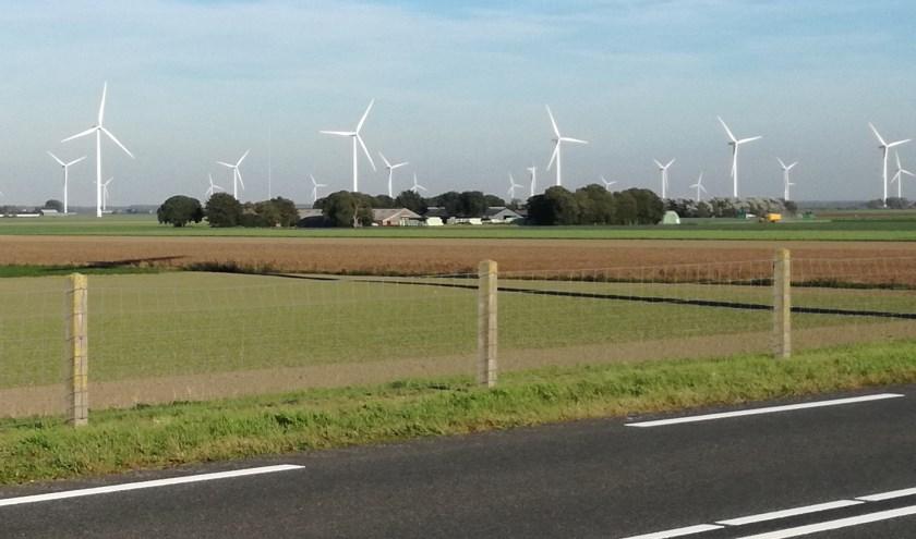 Windmolens aan het Veluwemeer.