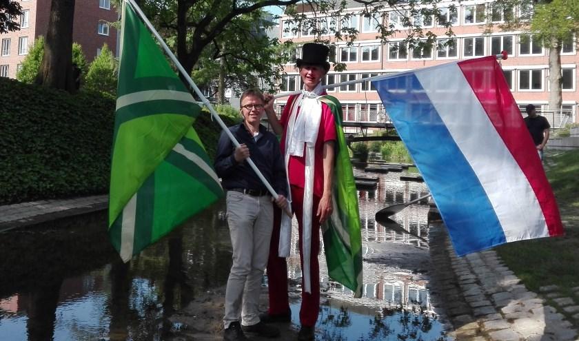 Josef Räkers (links) en Henk Koskamp (rechts) willen samen vanaf het Berkelfestival naar de bron van de Berkel wandelen. Foto: Hartmut Levermann