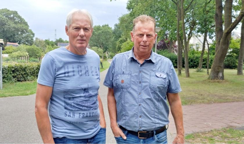 Jenne van der Velde (links) en Paul Snellink (rechts) zijn de beheerders van Helmerhoeknieuws. (foto: Anneke van der Velde)