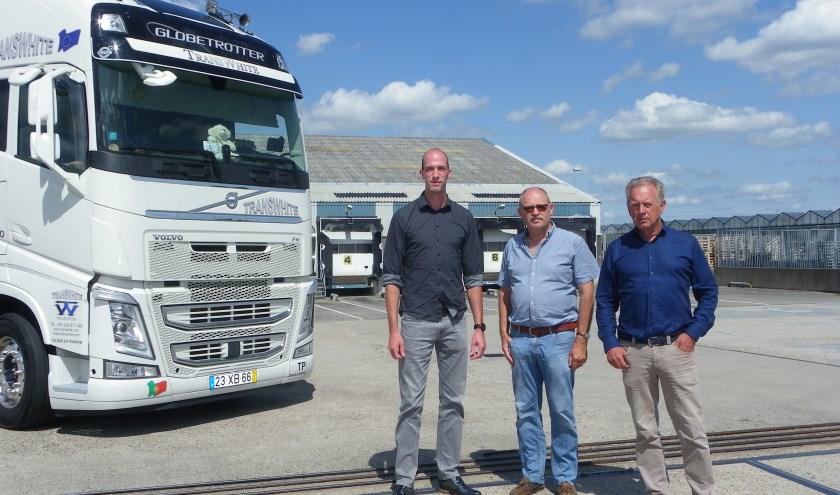 Kunnen de vrachtwagens hier straks nog wel komen? Albert de Vries, Wil de Jong en Peter Kolster (v.l.n.r.) maken zich grote zorgen.