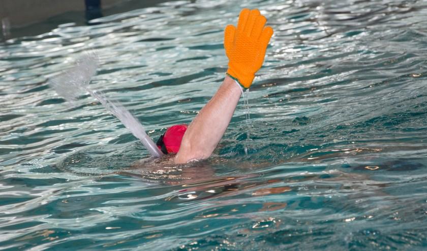 scheidsrechter bij onderwaterhockey