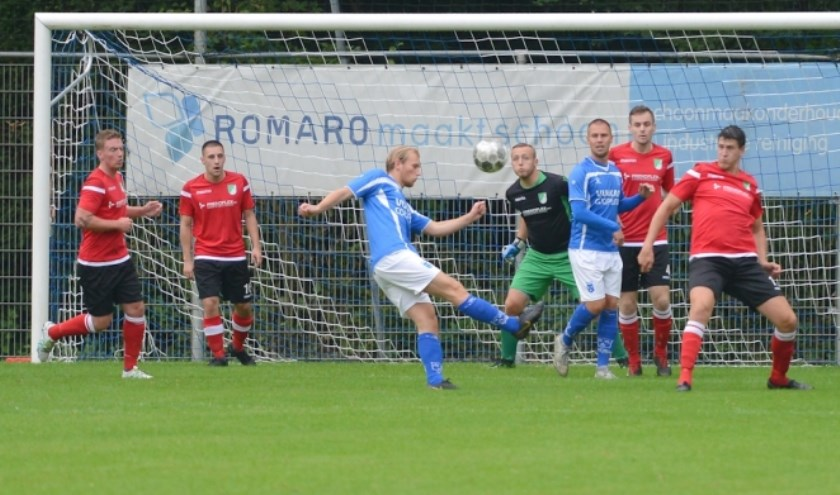 Spelmoment uit de wedstrijd tussen Slikkerveer en Rijsoord. (foto website Slikkerveer).